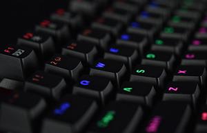美得简直不像网吧专用键盘