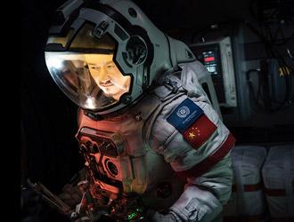 《流浪地球》海外票房逼近1亿美元!