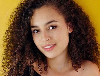 震惊!《巫师》网剧女演员去世 年仅16岁