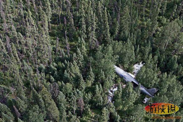 """飞机-飞机失事无人丧生摄影师带你走进""""死亡地带"""""""