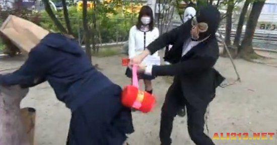日本女高中生凶残揭秘高中大减压被课本打屁方式男子软件下载图片