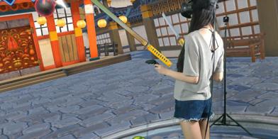 游侠《VR秀》:《水果忍者VR》中女主播展示双刀流