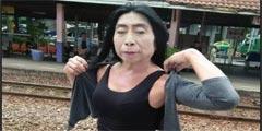 泰国这个熟女网红火了 网友:我的眼睛像吃了火锅底料
