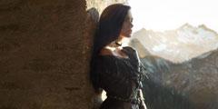 俄罗斯美女惊艳《巫师3》叶奈法COS 勾人香肩小蛮腰