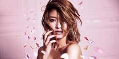 腹肌女子的完美诱惑!身材曲线最健美的女艺人TOP10