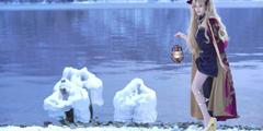 11区小姐姐《Fate》冥界女神cos 落雪湖畔大白腿吸睛