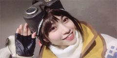 萌妹cos《怪物猎人世界》受付娘 明朗笑容一秒融化!