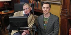 """为了帮助霍金开口说话 他的轮椅上有多少""""黑科技"""""""