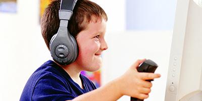 小编游话说:孩子考不上重点中学 电子游戏来背锅?