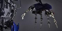 60万元外骨骼装甲带回家 日本公司开卖外骨骼装甲!