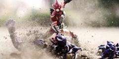 网上爆火沙暴流照片 砂石结合手办定格战斗瞬间!