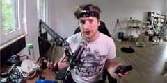 德国英雄联盟主播骚操作:条码扫描仪也能打游戏?