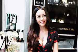 笑容温婉让人心旷神怡!台湾美女网红最新生活美照