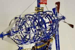 日本网友展现超强手工能力 废弃包装纸秒变精美模型
