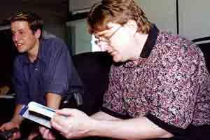 稚嫩的G胖《半条命》诞生20周年纪念纪录片预告放出