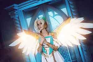 国外美女cos《OW》胜利女神天使 一双大长腿超吸睛