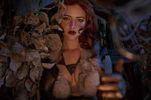 俄罗斯小姐姐cos《巫师》特莉丝 胸前一片美好春光!