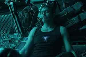 《复联4》钢铁侠漂泊在宇宙网友求救航天局 官方回应