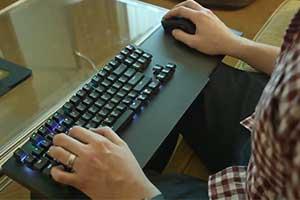 XboxOne主机专用键鼠雷蛇Turret外媒上手使用演示