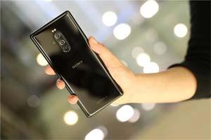 索尼新款旗舰Xperia 1真机图曝光!4K OLED带鱼屏!