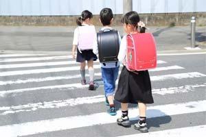 日本惊现1000万日元小学生书包!镶满珍珠钻石!