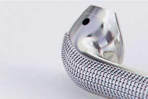 将两万美元塞入耳朵 设计师打造奢华镶钻AirPods