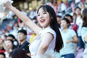 她的应援充满青春活力!韩国最年轻啦啦队女孩河智苑