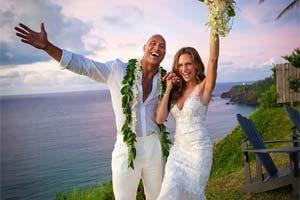 """""""巨石""""强森与相恋12年女友在家乡夏威夷举行婚礼!"""