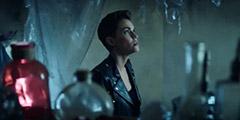 美剧《蝙蝠女侠》公布新预告 身着皮衣打击城市罪恶