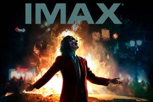 """帅爆!《小丑》定制版IMAX海报邪气""""丑爷""""火中漫步"""