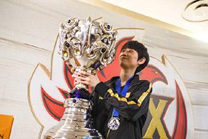S9:冠军中单Doinb告诫韩国选手不要妄想来LPL混钱