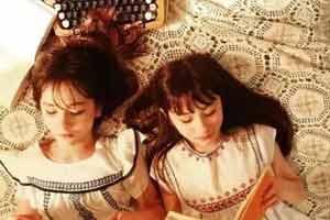 从小美到大!全球最美混血双胞胎娜奥美&丽莎美照赏