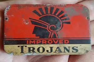 24张神奇物品照片!60年前的避孕套 打开后竟发现...