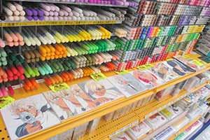 被耽误的艺术家!日本7-11超商店员神手艺织布景品!