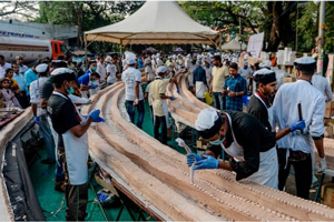 印度做全球最长蛋糕6.5公里!走1小时才能看完全貌
