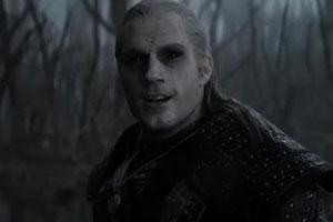 俄罗斯小哥打造低成本《巫师》电视剧 弩箭变红肠!