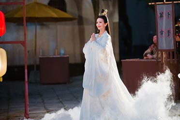 """67岁赵雅芝COS""""骊山圣母"""":仙气飘飘!姿态优美!"""
