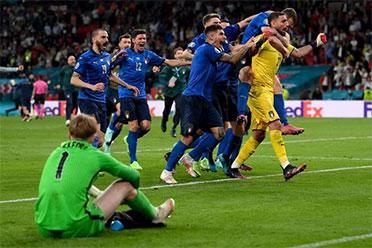 意大利战胜英格兰夺得欧洲杯的冠军 C罗获欧洲杯金靴