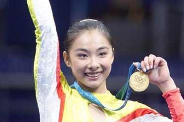 中国最美奥运冠军 刘璇41岁劈一字马 大秀柔软身段!