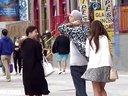 美少女变身挑逗路人恶作剧 @柚子木字幕组