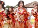 中国女团模仿日本AKB48 鲜花比基尼沙滩热舞