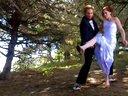 【哇哈哦哦】逗比夫妇将婚礼请柬拍成动作大片...这种婚礼必须去啊