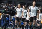 移除13名女球员