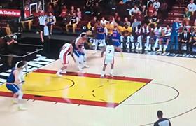 《NBA 2K22》库里最新运球投篮