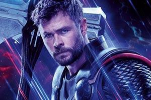 《复联4》全角色海报公布 锤哥手握风暴之刃霸气无比