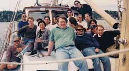 《半条命》开发团队98年合照曝光 G胖曾经瘦过的日子