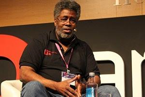 《賽博朋克2077》被指含種族偏見!黑人原作者發聲