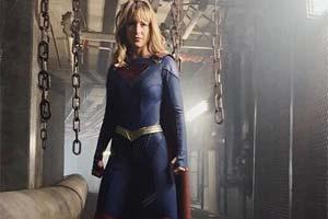 短裙黑丝变紧身连体衣!《女超人》第5季超女新造型