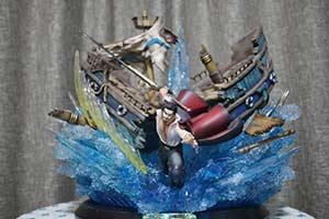 《海贼王》鹰眼激战雕像 一剑劈开战船展现霸气凛然