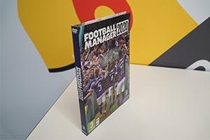 《足球经理2020》实体版新包装不要扔隔壁小孩馋哭了